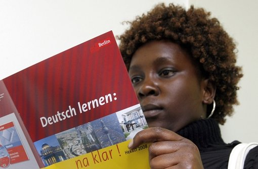 Kenyan learning German in Berlin
