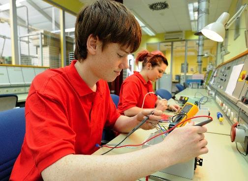 Elektroniker:in für Geräte und Systeme