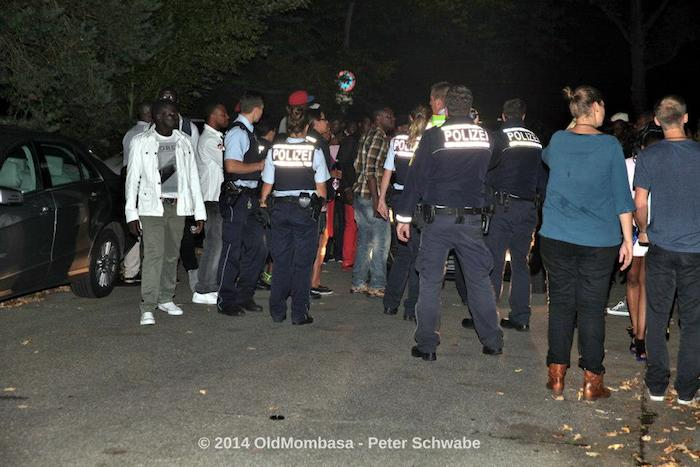 Police escorting Diamond Stuttgart Platnumz