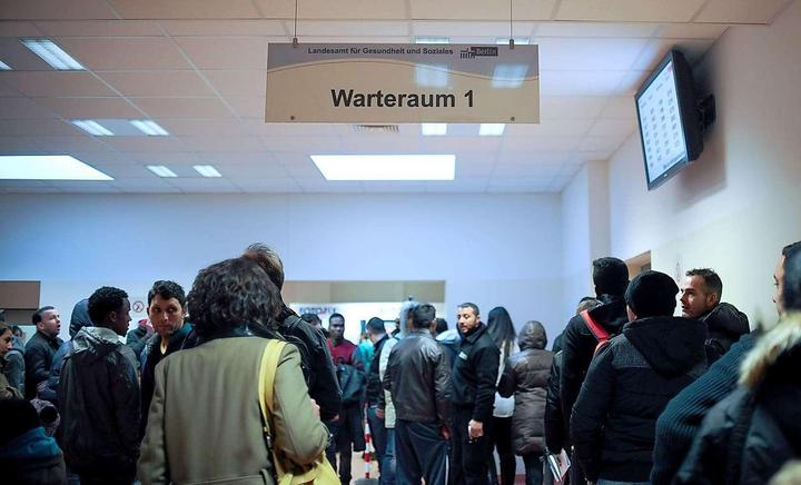 Overworked Migration Officials in Berlin Issue Visas Longer than Allowed by Law