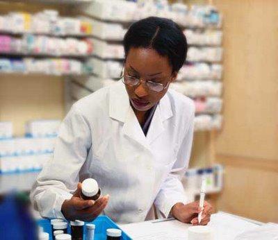 pharmacist, Pharmazeutisch-kaufmännische:r Angestellte:r (PKA), woman, medicine, doctor