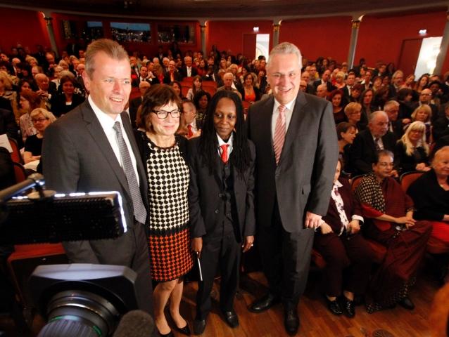 Bayerns Innenminister Joachim Herrmann, Nürnbergs Oberbürgermeister Ulrich Maly und seine Ehefrau Petra