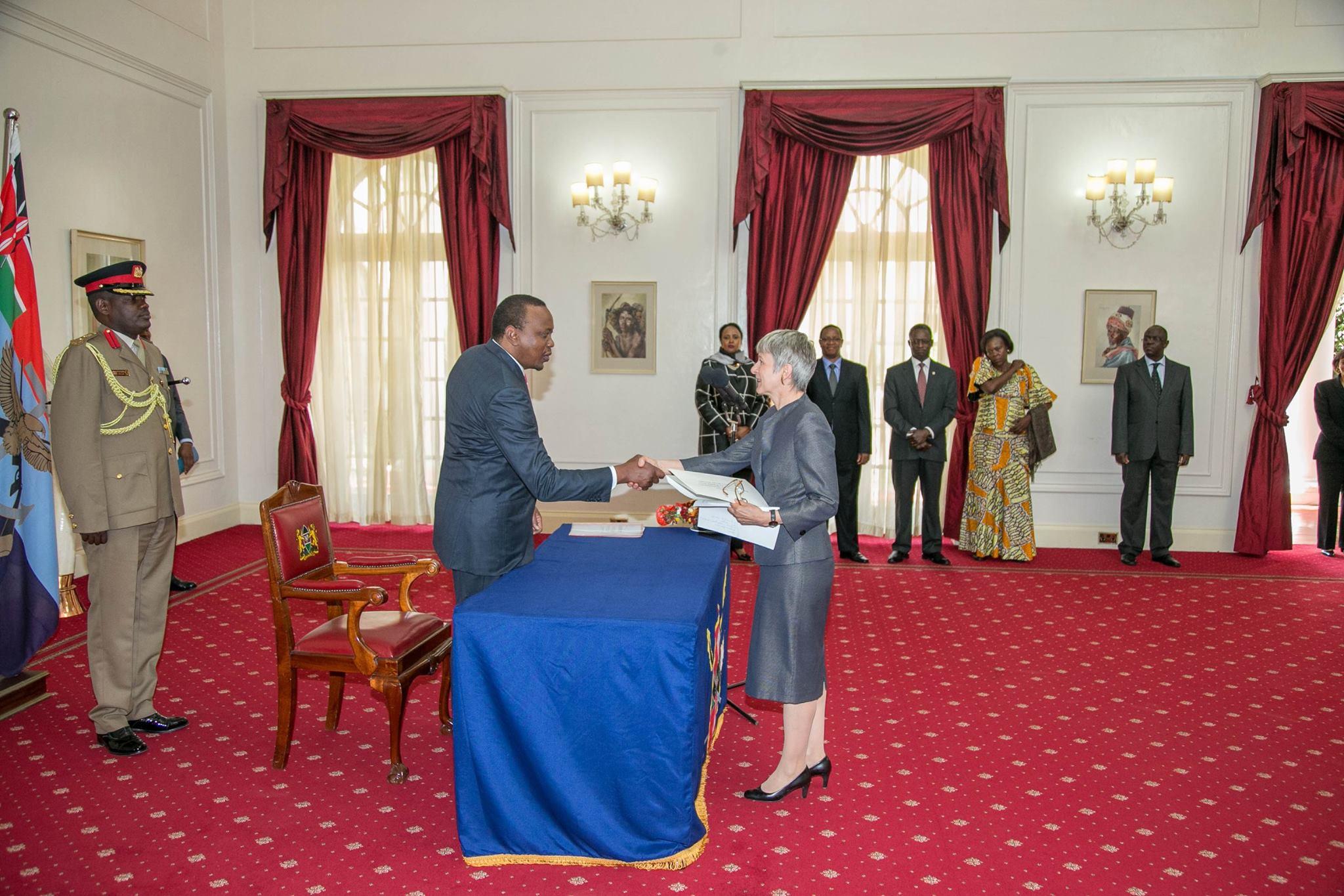 Uhuru Kenyatta, Jutta Frasch