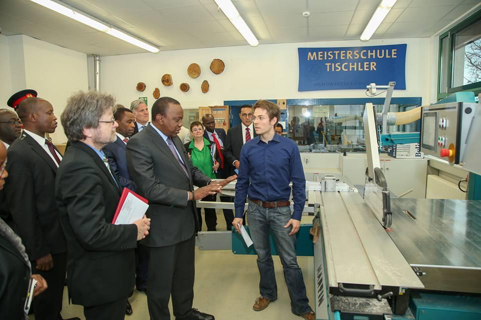 Uhuru Kenyatta Meisterschule Tischler Berlin
